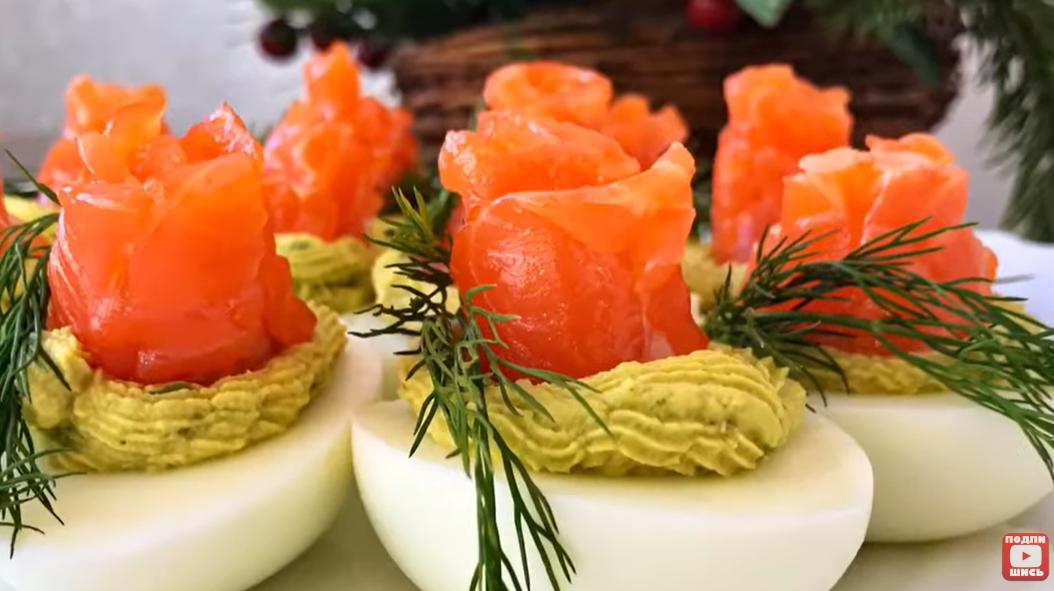 Яркая закуска на все случаи жизни! Яйца, фаршированные авокадо.