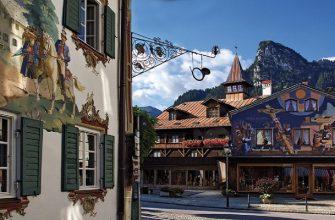 Расписная деревушка в Баварии, где каждый дом — настоящее произведение искусства
