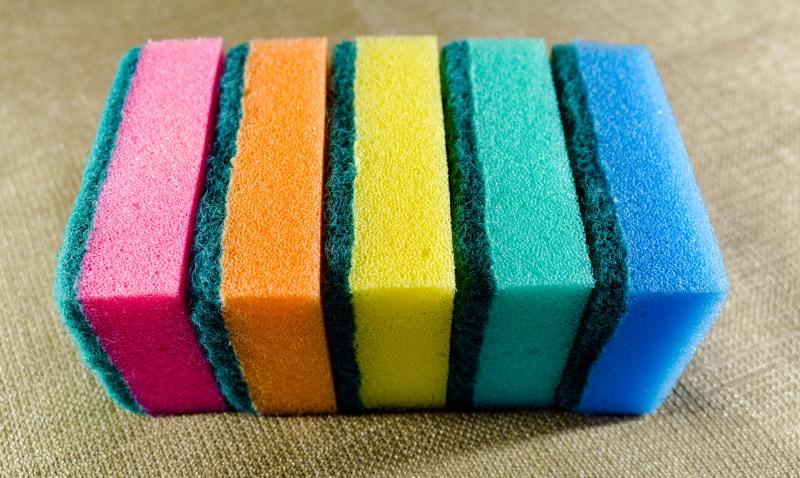 Почему губки для мытья посуды бывают разных цветов
