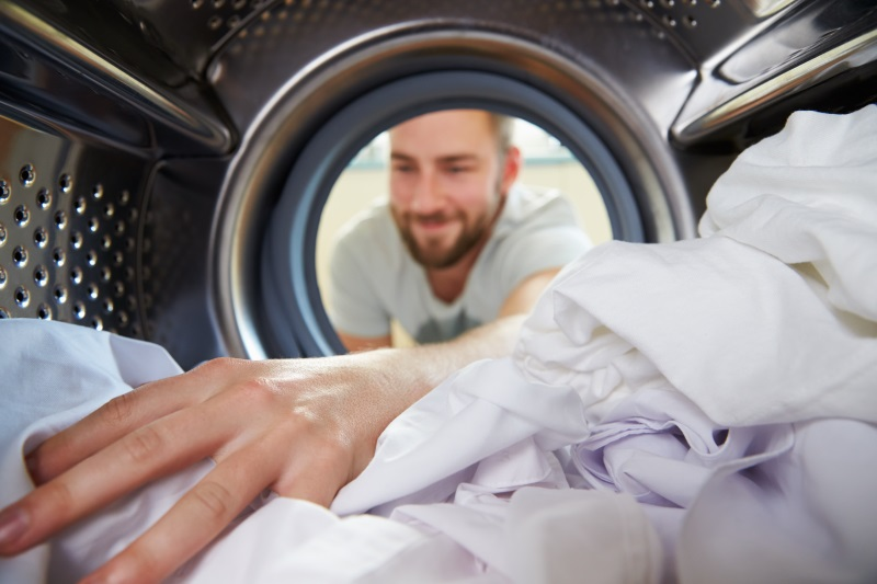 Зачем лить в стиральную машину крепкий кофе